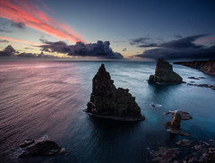 Duncansby Stacks (Grant Morris) Tags: duncansbyhead duncansbystacks rockstack rocks sunrise sunriseoverwater northsea redclouds bluesky twilight scotland coast waterscape waterfront water beach bay grantmorris grantmorrisphotography canon 1635