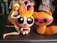 Orangina (back2s0ul) Tags: blossom ppg powerpuff girls sailor venus lalaloopsy raccoon superheroes heroines