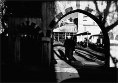 : 508 : (la_imagen) Tags: sokak sw bw blackandwhite siyahbeyaz street streetandsituation streetlife strasenfotografieistkeinverbrechen monochrome streetphotography menschen people insan orlu trakya trace trakien trkei turkey trkiye turqua