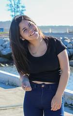 Sesin Karen Retamal (Alejandro Retamal) Tags: woman girl mujer felicidad cielo celeste negro azul