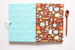 Caderno de Receitas (Marrom) (Bella Mia Ateli) Tags: cadernos cadernosartesanais cadernosdereceitas receitas cozinha feitomo feitocomcarinho papelaria papelariaartesanal rnaomanualartstica encadernao bookbinding handmade handcraft stationery crafts