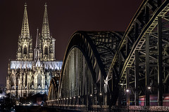 (ilConte) Tags: cologne kln colonia germania germany deutschland night nacht notte bridge iron cathedral cattedrale architettura architecture architektur