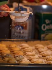 """""""Feinschliff"""" / backing cockies (malp007) Tags: puderzucker keks backen gbage kche kitchen kkken zucker streuen mitliebe unschrfe"""