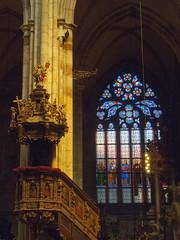 Prague (★ iolo ★) Tags: church prague praha cathédrale f80 républiquetchèque iso500 §§§ saintguy ¹⁄₁₆₀s canonpowershots90 6225mm lrrouge