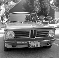 BMW 2002tii - Fomapan 100 (Fogel's Focus) Tags: wheels 150 rodinal classiccars 20c yashicamat fomapan100 agfarodinal lumaxar 8min fomafomapan film:iso=100 film:brand=foma developer:brand=agfa developer:name=agfarodinal august2013 film:name=fomafomapan100 coffeeandclassics filmdev:recipe=8867