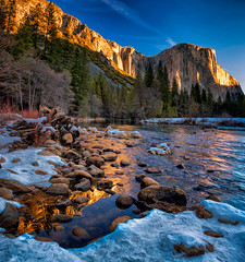 Yosemite Gold (mojo2u) Tags: california sunrise nationalpark yosemite elcapitan mercedriver nikon2470mm nikond800