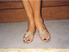 gil08 (J.Saenz) Tags: feet foot shoes toe flat sandals low nail bajo tacos polish zapatos flats thongs pies heels pedicure tacones slides pieds mules pintada slippers dedo footfetish pulsera scarpe sandalias schuh fetiche toenail pezinho shoefetish pedi lackiert esmalte ua pedicura tacchi tobillera fetichismo tobillo shoeplay womenfeet podolatras fse ancklett