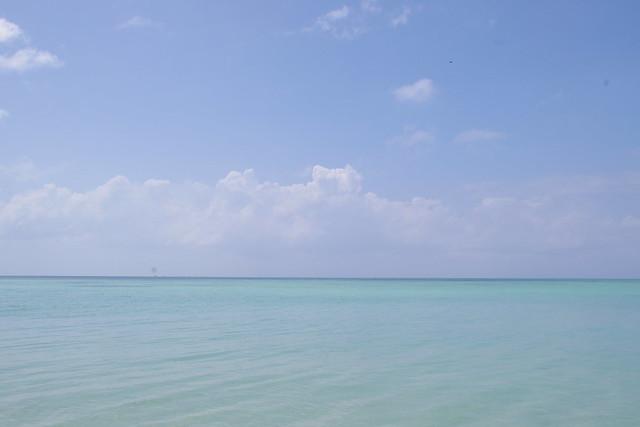 きれいな海に心から感動、竹富島のコンドイビーチ|竹富島