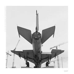 Mig's Alley (bolas) Tags: monument force 21 kodak aircraft air trix poland polish cranes va 400 plus agfa mig lodz łódź xenar rolleicord mig21 duoscan ultrafin sovier
