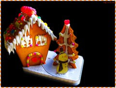 Gingerbread House (Billy McDonald) Tags: christmas snowman glasgow gingerbread gingerbreadhouse fractalius