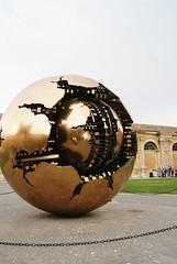 Centro del Patio de la Piña, Meseos Vaticanos, Ciudad del Vaticano (BeaUsero) Tags: italy tourism monument italia monumento turismo patrimonio conjuntohistórico humangeography geografíahumana
