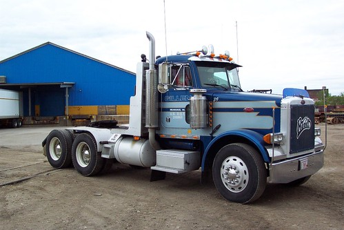 Gorgeous Gillen Peterbilt