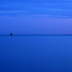 blau (miquelet) Tags: mar zen blau simple infinit silenci bluetiful miquelet vision:outdoor=099 vision:sky=0935 vision:clouds=0801