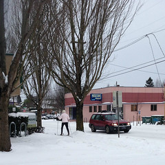 "PM_skier_sidewalk_IMG_2057 (Lynette_1_2_3) Tags: ""cold weather"" ""snow"" ""wind"" ""february ""©portlandoregondailyphoto 2014"""