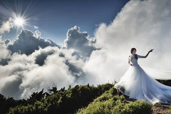 Bride, Mountain Hehuan (Vincent_Ting) Tags:    sunset   clouds  sky    taiwan formosa    flare    star startrails trails  night  crepuscularrays glow mountain moonlight     milkyway galaxy  sunrise   hthehuan     vincentting mountainhehuan seaofclouds