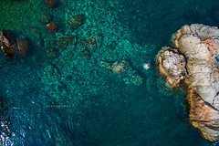 Splash. (arturii!) Tags: wow amazing awesome superb interesting stunning impressive nice beauty great arturii arturdebattk canonoes6d gettyimages travel trip tour route viatge holidays vacations nature drone drones dron flying aerial up view people guys friends summer summertime outdoors natura costabrava lloretdemar catalunya catalonia europe spain mediterraneansea splash jump overhead overview dji phantom3 blue colors paradise beach turquoise clear rock stone shoreline coast