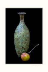 Apple and bronze (Krasne oci) Tags: stilllife apple vase bronze photoart simple beautifulphoto elegant evabartos artphotography onblack classic