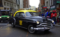 Broadway Deluxe Cab Co. (swong95765) Tags: automobile car vehicle taxi cab parade classic vintage