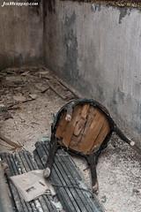 Fallen Down (Joe Herrero) Tags: robregordo madrid apeadero abandono abandoned old joe herrero wwwjoeherrerocom silla chair