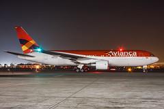 N985AN - Boeing 767-259(ER) - Avianca (Bjoern Schmitt) Tags: n985an boeing 767259er avianca cn 24618 292 losangeles lax klax night ramp airplane beacon strobe airplanes