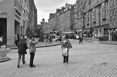 Middle of the road ... (vmanseventy) Tags: edinburgh streetphotography royalmile highstreet lawnmarket bankstreet georgeivbridge