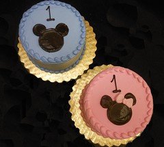 Smash cakes are a additional $15.00 to the price of a larger decorated cake. Mickey/Minnie design on smash cake..................included in $15.00 base price