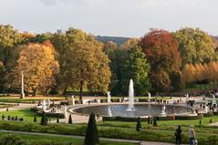 Colours of autumn (6043) (rooibusch) Tags: park herbst sanssouci potsdam statuen fontne franzsischesrondell
