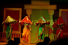 Mujra (keyaart) Tags: india men women dancers folk mumbai lavani