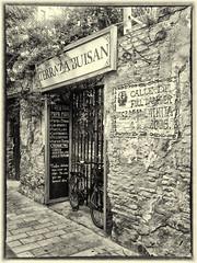 Terraza Buisan, Calle Estebanes ( Zaragoza ) (galileo1657) Tags: espaa ladrillo planta bar canon pared calle bn zaragoza aragon bici terraza verja cascoantiguo mamposteria calleestebanes galileo1657