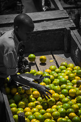 Venta de limones (PloPh) Tags: africa people cutout tanzania gente safari ngorongoro chico serengeti nio arusha manyara eyasi