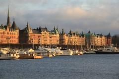 stermalm - Stockholm (pixiprol) Tags: water boat eau europa europe sailing sweden stockholm capital kingdom sverige capitale scandinavia bateau quai suede ostermalm scandinavie royaume
