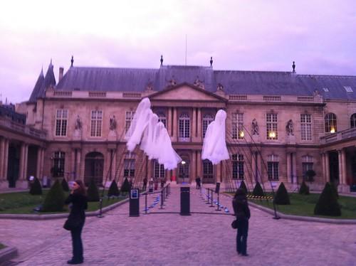 Only in Paris .... Jadore Paris
