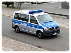 """VW Transporter """"Polizei"""" (v8dub) Tags: auto car vw germany volkswagen deutschland automobile police automotive voiture van allemagne polizei bremerhaven transporter lieferwagen polis niedersachsen wagen pkw worldcars"""