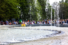 Gathering at Fountain Park _3455 (hkoons) Tags: city water fountain aqua europe country nation poland polish basin warsaw easterneurope warszawa masovianplain