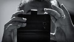 Black Mirror (AdrianoSetimo) Tags: celular smartphone portrait retrato hands mos metalinguagem panasonic panasonicgx7 metalanguage blackandwhite pretoebranco noiretblanc helios44m7 50mm helios44 helios m42lens russianlens sovietlens microfourthirds