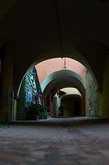 Toirano (15) (Pier Romano) Tags: toirano savona liguria entroterra riviera ligure borgo vicolo archi porticato antico paese old town
