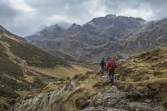 Rialp, Principat d'Andorra (kike.matas) Tags: canoneos6d kikematas canonef1635f28liiusm rialp vallderialp ordino andorra andorre principatdandorra pirineos paisaje montaas excursin camino valle nubes canon lightroom4 otoo