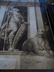 Grisaille de Lattanzio Gambara (1571-1573), cathdrale Santa Maria Assunta (XIIe sicle), Parme, Emilie-Romagne, Italie. (byb64) Tags: parme parma pr prma provincedeparme provinciadiparma emilieromagne emilia emiliaromagna emilie italie italy italia italien europe eu europa ue cit city citta ciudad town statd ville cathdrale cathedral catedrala duomo dom roman romanico romanesque romanesqueart artroman xiie 12th nef nave cattedrale fresques frescoes frescos fresko affreschi xvie 16th cinquecento lattanziogambara gambara renaissance renacimiento rinascimento grisaille