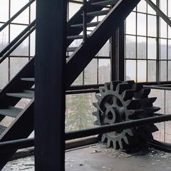 (.tom troutman.) Tags: kodak portra 160 bronica sqai film analog mediumformat 80mm abandoned pa coalbreaker industrial