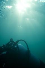 Beim Safety-Stop scheint uns die Sonne auf den Rucken (habi) Tags: diving hausriff renzo thunersee