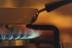 Cooking time (sonia.sanre) Tags: mydailyroutine macromondays macro happymacromonday fire pan cook cocinar sarten fuego home kitchen cocina