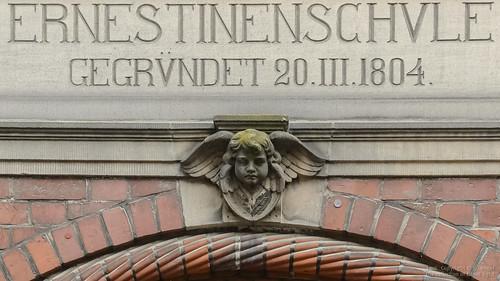 HL Kleine Burgstraße • Ernestienenschule • Portal