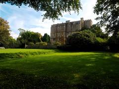 PA221296 (simonrwilkinson) Tags: chastletonhouse chastleton moretoninmarsh oxfordshire nationaltrust nt building exterior garden landscape northfront croquet lawn