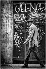 Lyon - Black Spirit (Alain Licari - Balades en Photographie) Tags: street portrait urban white black blanco 50mm calle noir emotion candid wb tags nb rue bianco blanc nero urbain monochome d700 negr onlylyon