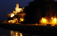 PORTOVENERE by night (Skiappa.....staminale) Tags: panorama night lumix italia mare liguria panasonic luci turismo portovenere vacanze notturno sfocatura martirreno italiaminore skiappa