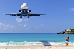 Chicks Dig Jets! (ChicagoKoz (ORDSpotter) @Kozphotog) Tags: airplane saintmartin aviation stmartin caribbean stmaarten sxm netherlandsantilles tncm mahobeach princessjuliana easterncaribbean pjia princessjulianainternational