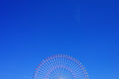 Blue sky and Cosmo Clock (usotuki) Tags: bluesky clear yokohama 横浜 青空 kanagawaken nakaku cosmoclock yokohamashi コスモクロック fa28mmf28al pentaxk7