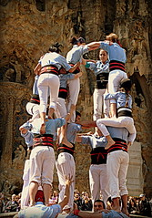 Barcelona 2013 (Berliner08) Tags: barcelona people spain leute gente espana gaudi sagradafamilia espagne castellers spanien barcelone gens castells cataluna katalonien catalogne collescastelleres