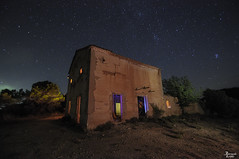 Cascarn Relleno (Fernando Lpez Cabaero) Tags: light sky lightpainting luz night star noche casa nikon natura estrellas nocturna campo uga tamron angular iluminacin nikond90 tamron1024