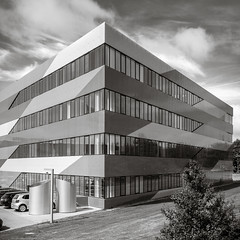 Modern Office Building 3 (Poul-Werner) Tags: inspiration project denmark flickr inspirational danmark projekt lightroom holstebro midtjylland poulwernerdam betalingscenter